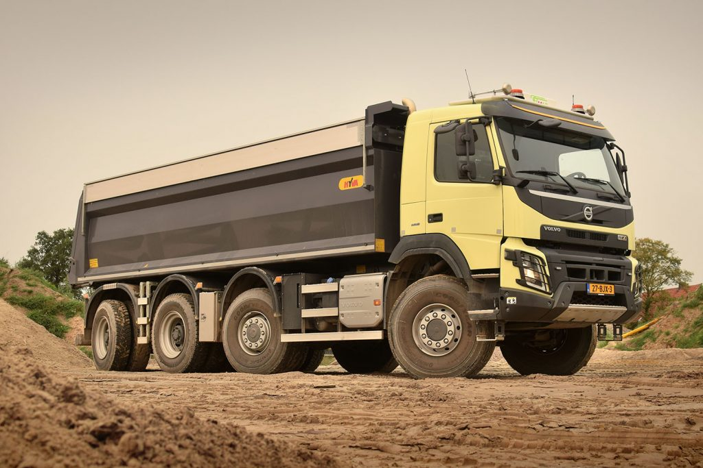 Volvo FMX 8x8