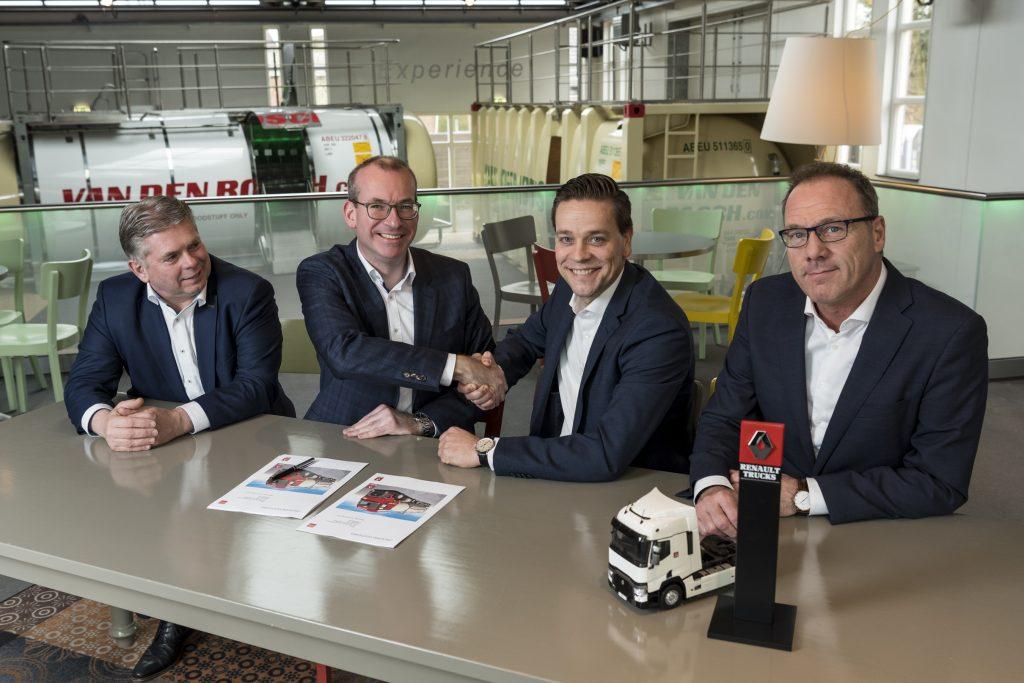 Contractondertekening Van den Bosch - Renault