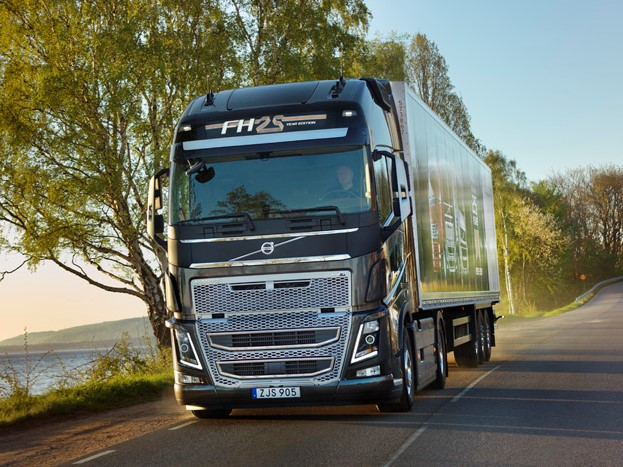 Volvo FH 25 Year Special Edition: een feestnummer - Truckstar