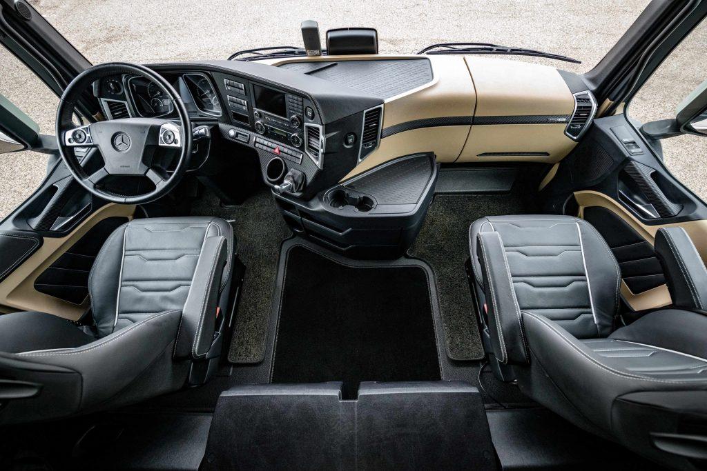 nieuw mercedes benz actros roadstars carbon edition. Black Bedroom Furniture Sets. Home Design Ideas