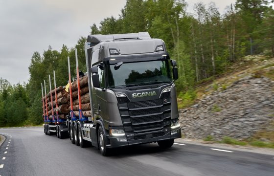Scania S 730 V8 Highline 8x4 rear-steer timber transport
