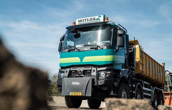 Renault Trucks K 8x6 voor Witlox_lowres