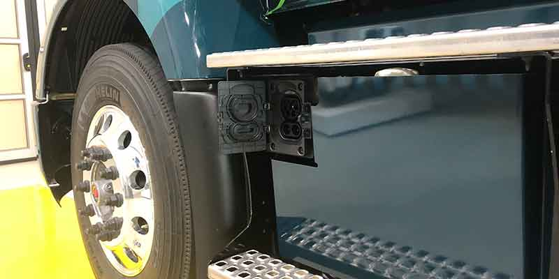 Stekker Volvo VNR Electric