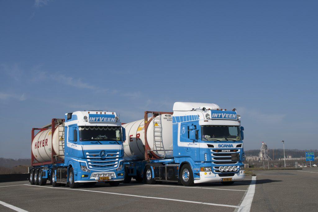 In 't Veen Scania en Mercedes