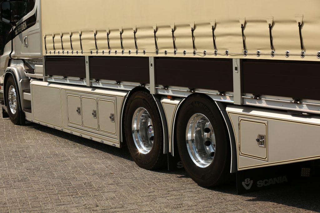 Scania T zijbeplating